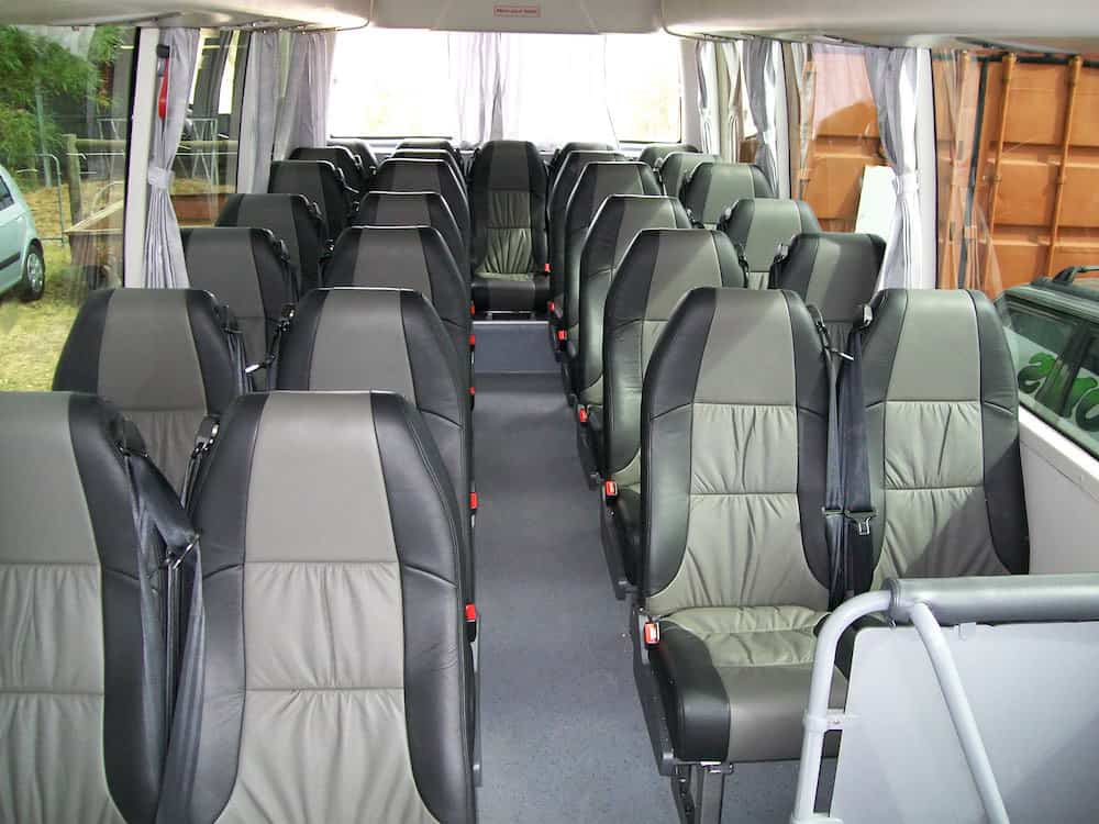 Thomsons Coachlines 28 Seater 02