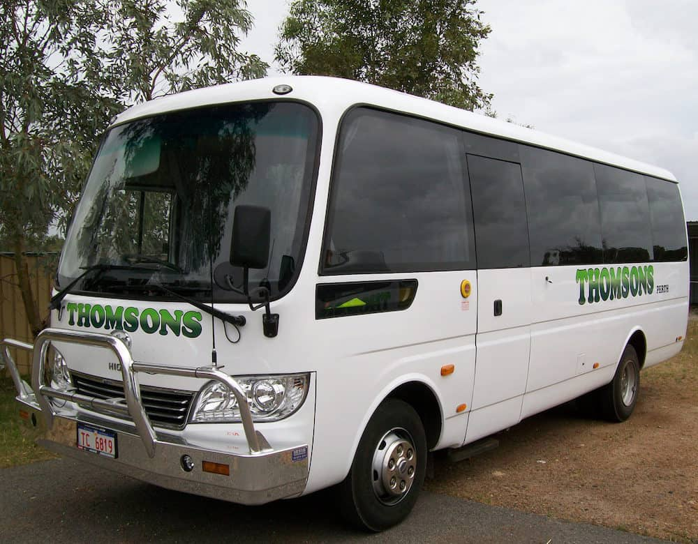Thomsons Coachlines 28 Seater 03