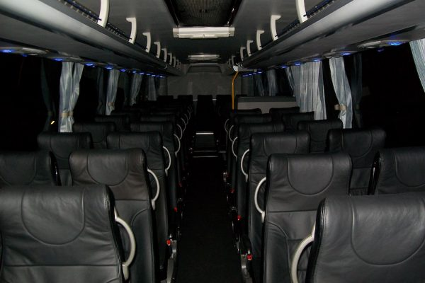 Thomsons Coachlines 48 Seater 01