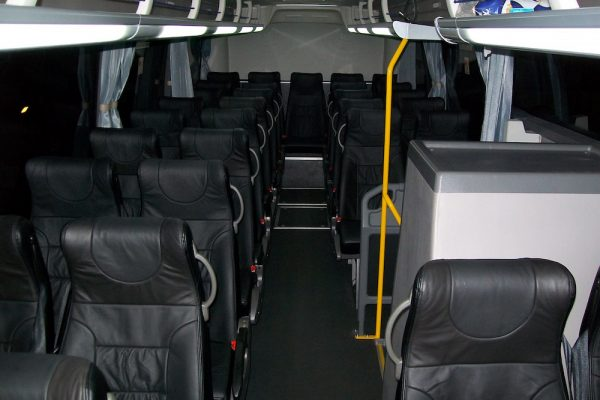 Thomsons Coachlines 48 Seater 02